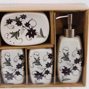 Комплект за баня от порцелан и декориран със цветя
