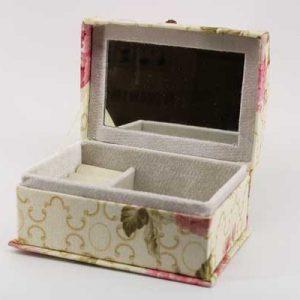"""Кутия за бижута """"Сандъче"""""""