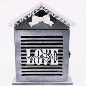 """Кутия за ключове """"Къщичка"""" с надпис Love"""