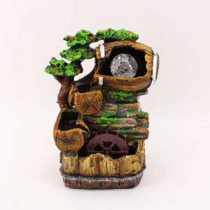 Декоративен фонтан с бъчва