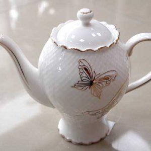 Чайник с пеперуда