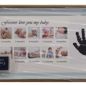 Колаж от бебешки снимки и отпечатък ръчичка