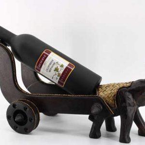 Поставка за бутилка-Слон с колесница