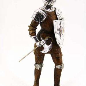 """Сувенир - """"Безстрашен рицар с брадва,шлем и щит"""""""