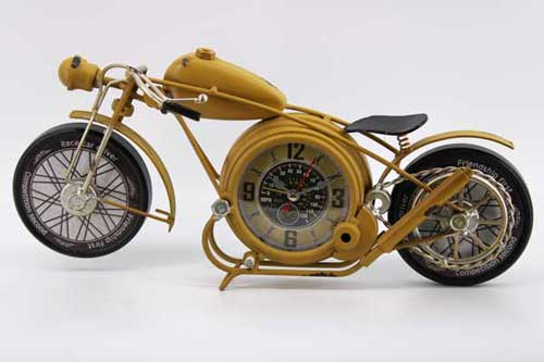 """Настолен часовник """"Жълт мотор"""""""