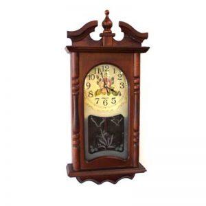 Стенен дървен часовник с махало и роза