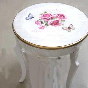 Винтидж маса с рози