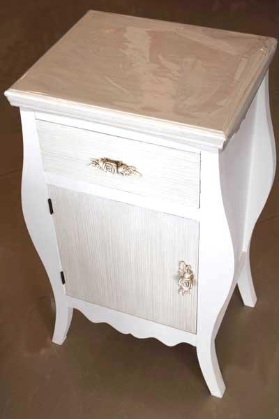 Шкаф с чекмедже и вратичка в бароков стил