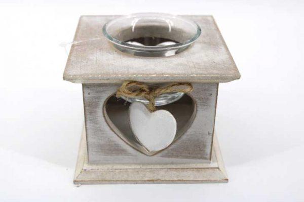 Декоративен  свещник с дървено сърце
