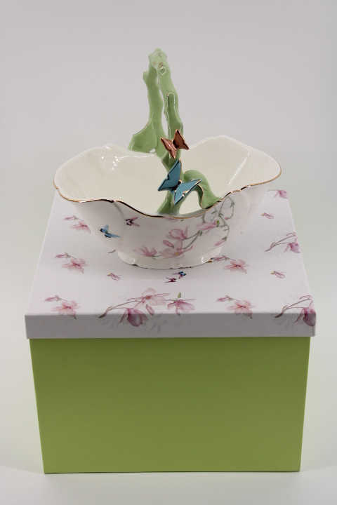 Бонбониера - кошница с 3D пеперуди