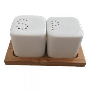Комплект за сол и пипер на бамбукова поставка /S & P/